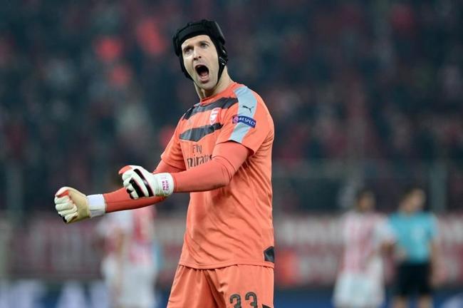 thu-mon-Petr-Cech-Arsenal