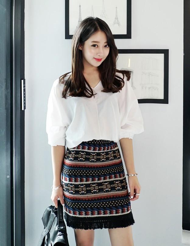 váy mini họa tiết cho cô nàng công sở