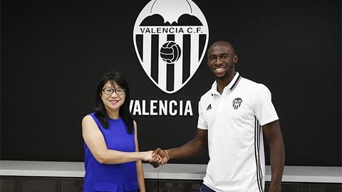 Mangala chính thức trở thành người của  Valencia