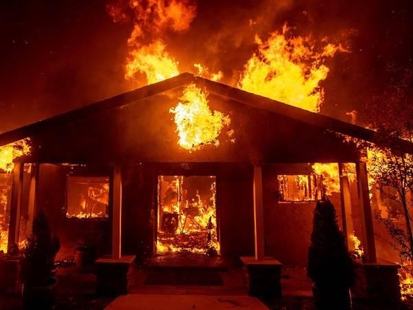 Mơ thấy người lạ chết cháy là điềm lành hay dữ?