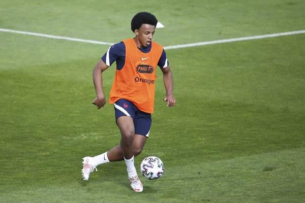 Thể thao 10/6: MU đấu Man City, Chelsea mua Kounde